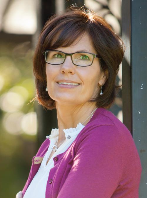Karen Graham, Notary